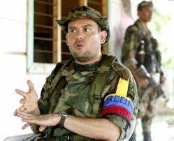 Brazalete paramilitar colombiano.
