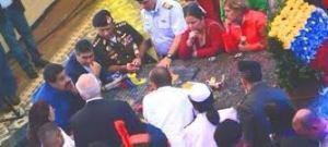 Reunión del gabinete sobre el sarcófago de Chávez.