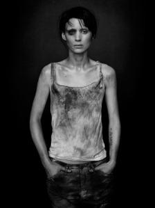 Rooney Mara como Lisbeth Salander. Fuente: http://images5.fanpop.com/image/photos/30700000/Lisbeth-lisbeth-salander-30738084-500-668.jpg