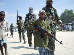 Niño militante de Al-Shabaab. Imagen: sunatimes.com/